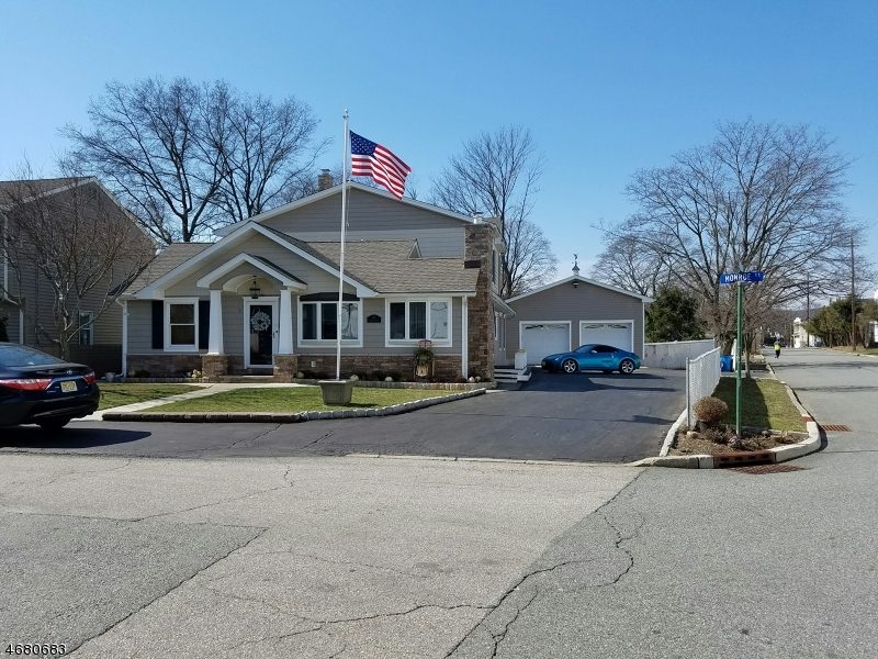 Single Family Home for Sale at 102 Monroe Street Wanaque, New Jersey 07420 United States