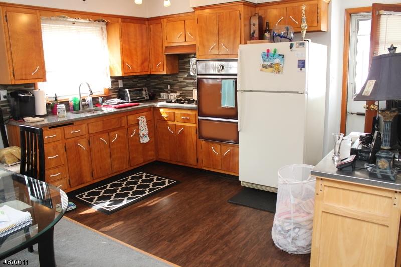 独户住宅 为 出租 在 60 Maple Avenue 伍德兰帕克, 新泽西州 07424 美国