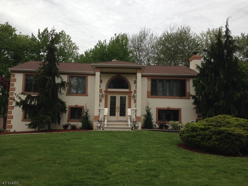 Single Family Home for Sale at 28 Phyllis Lane Fairfield, New Jersey 07004 United States