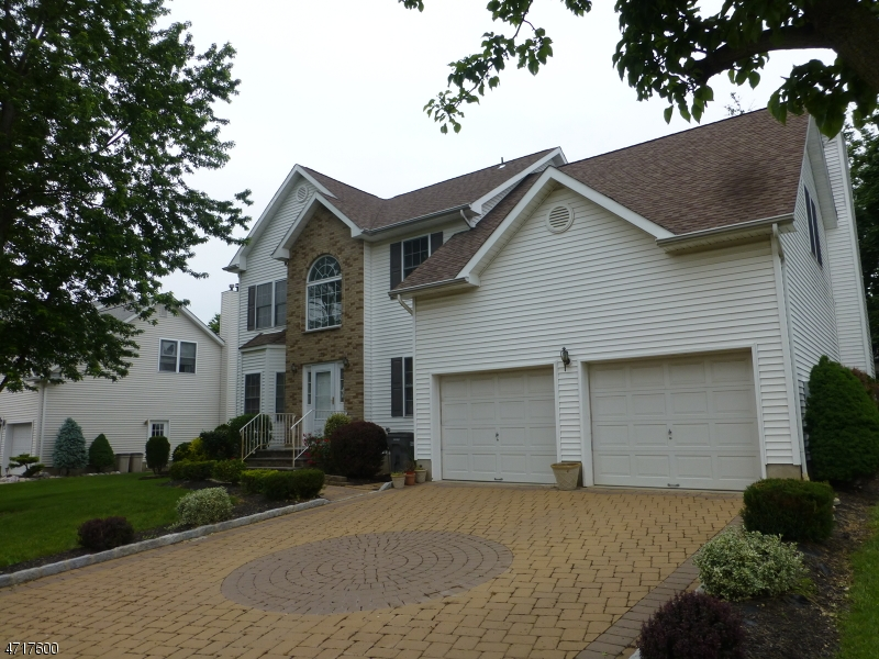 Single Family Home for Sale at 128 Pomponio Ave South Plainfield, New Jersey 07080 United States