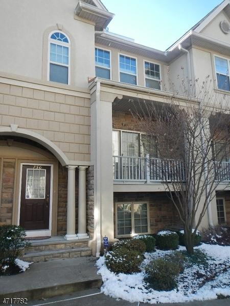 Maison unifamiliale pour l à louer à 750 Green Lane Union, New Jersey 07083 États-Unis
