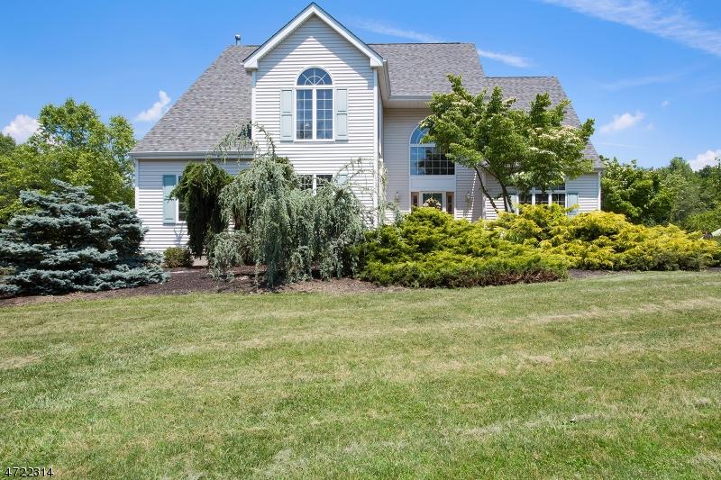 独户住宅 为 销售 在 8 River Bend Road 克林顿, 新泽西州 08809 美国
