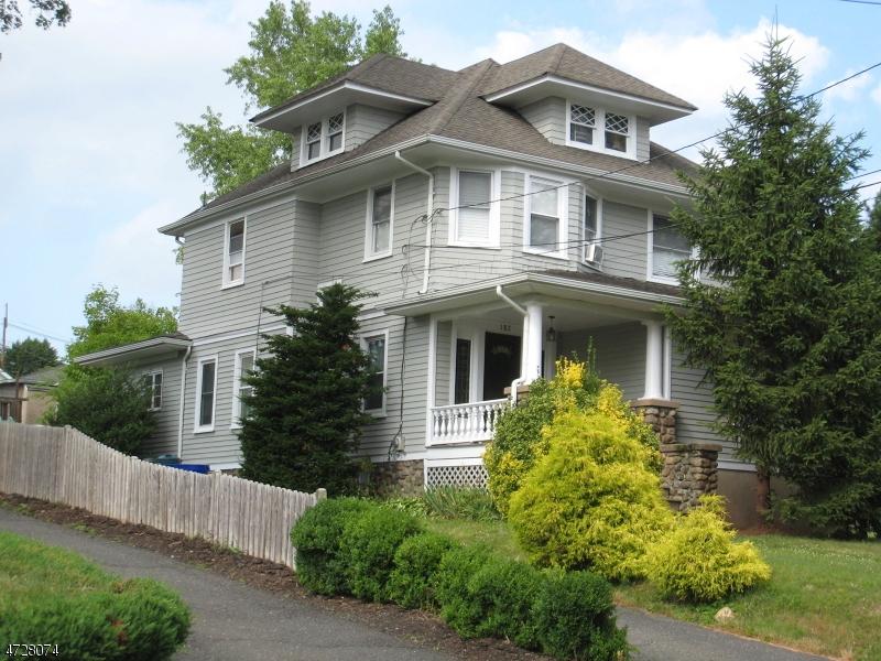 Maison avec plusieurs logements pour l Vente à 182 Franklin Avenue Midland Park, New Jersey 07432 États-Unis