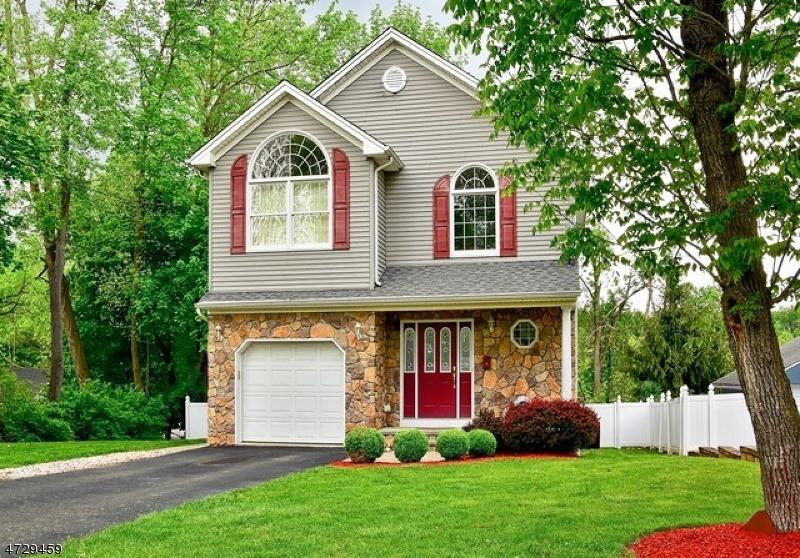 Einfamilienhaus für Verkauf beim 308 Garfield Street 308 Garfield Street Berkeley Heights, New Jersey 07922 Vereinigte Staaten
