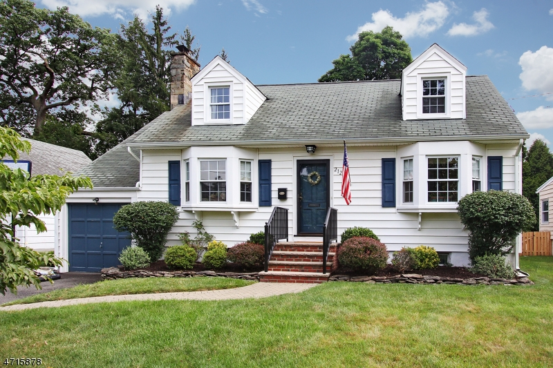 Single Family Home for Sale at 212 Beech Street Cranford, New Jersey 07016 United States