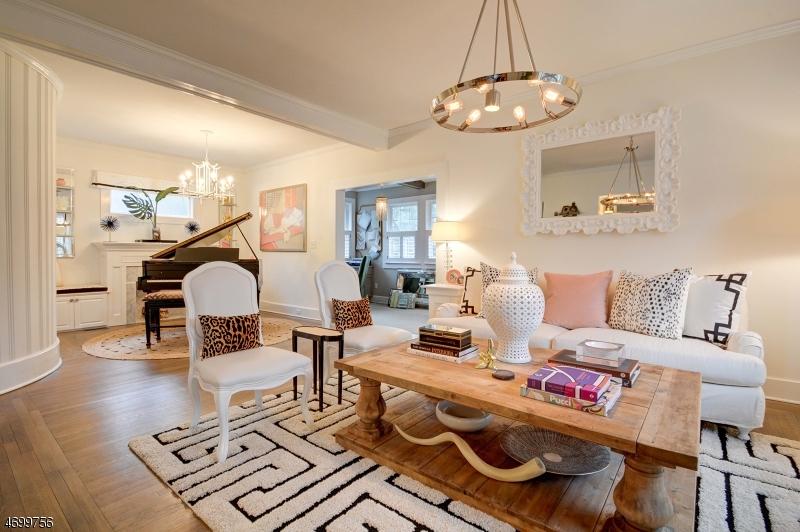 Частный односемейный дом для того Продажа на 4 Kermit Road Maplewood, Нью-Джерси 07040 Соединенные Штаты