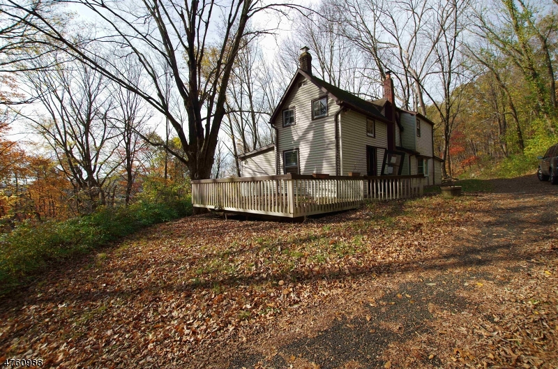Single Family Home for Sale at 288 Macopin Road 288 Macopin Road Bloomingdale, New Jersey 07403 United States