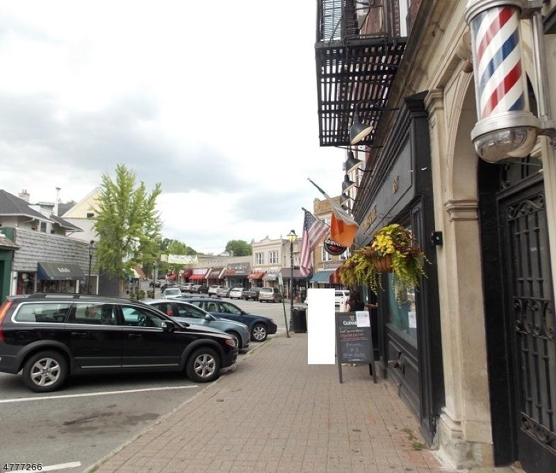 Casa Unifamiliar por un Alquiler en 8 Highland Place Maplewood, Nueva Jersey 07040 Estados Unidos