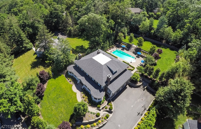 Single Family Home for Sale at 17 Farbrook Drive Millburn, New Jersey 07078 United States