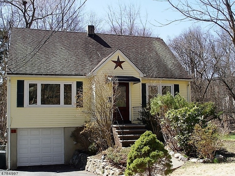 Single Family Home for Rent at 19 Fichter Street Bloomingdale, New Jersey 07403 United States