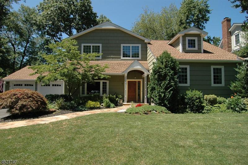 独户住宅 为 销售 在 14 GATES Avenue 查塔姆, 新泽西州 07928 美国