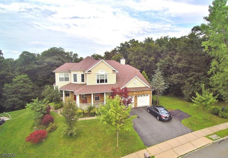 独户住宅 为 销售 在 589 Skyline Drive Jefferson Township, 新泽西州 07849 美国