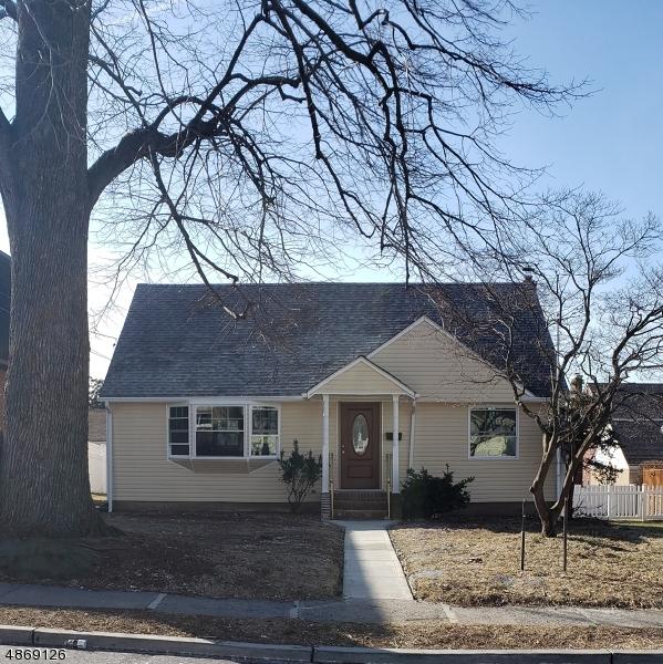 Частный односемейный дом для того Продажа на 15 ALPINE Street Garfield, Нью-Джерси 07026 Соединенные Штаты