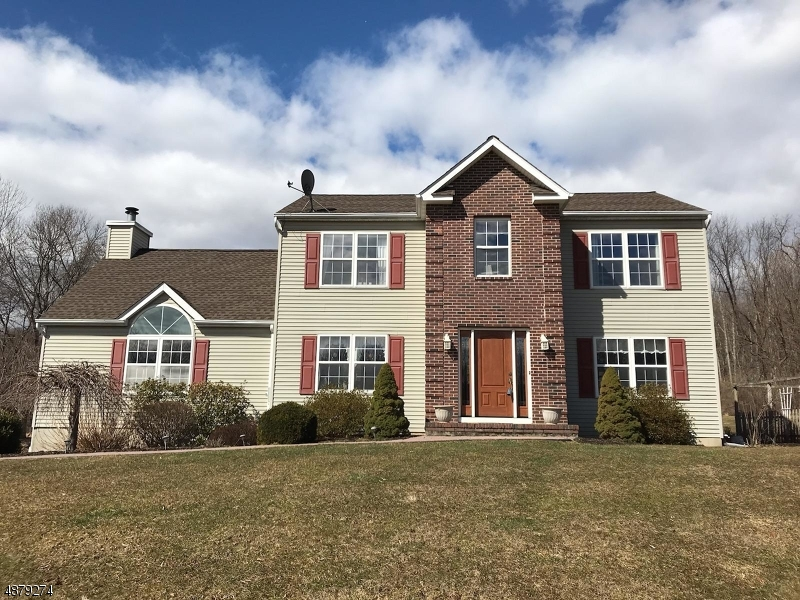 Single Family Home for Sale at 2 PRINCE EDWARD Road Liberty Township, New Jersey 07838 United States
