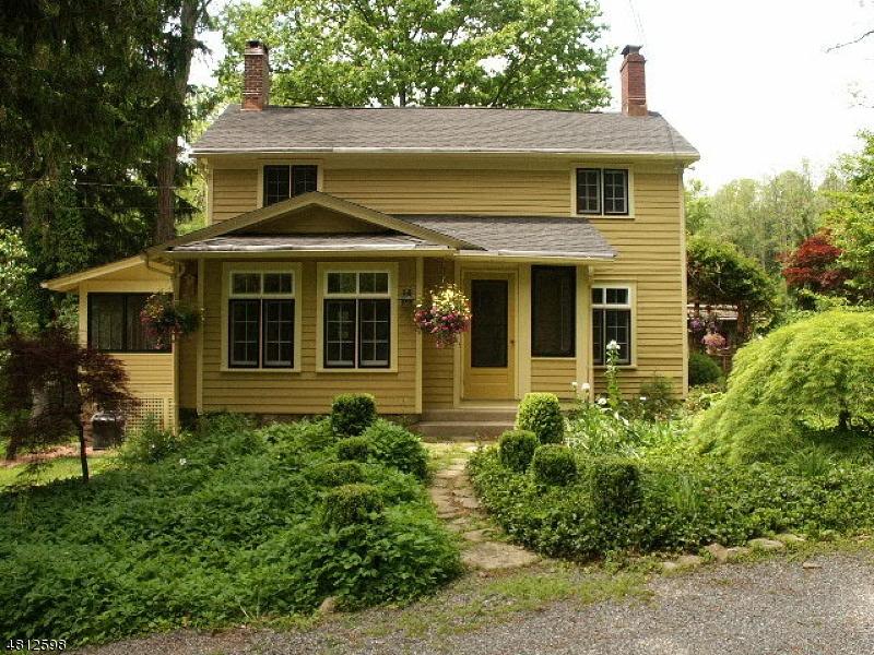 single family homes для того Продажа на Lebanon, Нью-Джерси 07830 Соединенные Штаты