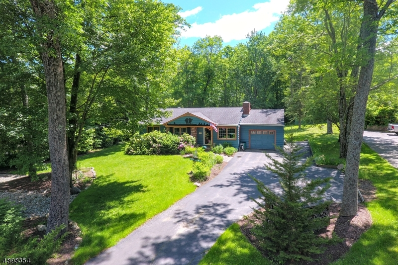 Single Family Homes 为 销售 在 西米尔福德, 新泽西州 07480 美国