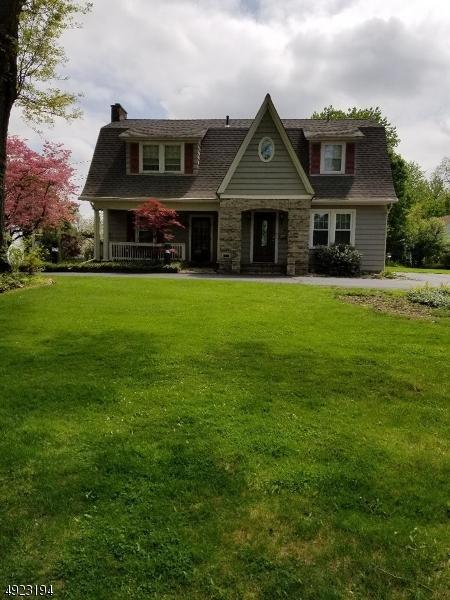 Single Family Homes pour l Vente à Morris Plains, New Jersey 07950 États-Unis