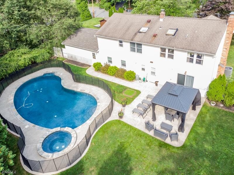 Single Family Homes für Verkauf beim Butler, New Jersey 07405 Vereinigte Staaten