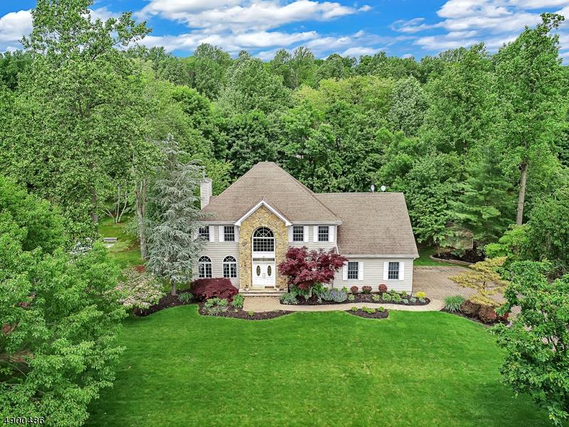 Single Family Homes por un Venta en Long Hill, Nueva Jersey 07980 Estados Unidos
