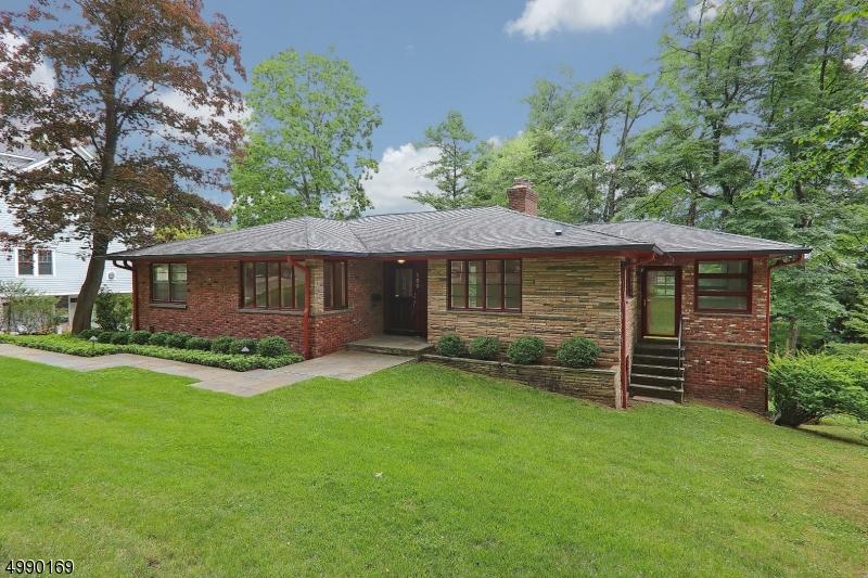 Single Family Homes voor Huren op Millburn, New Jersey 07041 Verenigde Staten