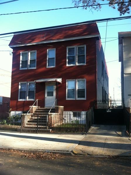 Многосемейный дом для того Продажа на 238 Dayton Street Newark, Нью-Джерси 07114 Соединенные Штаты