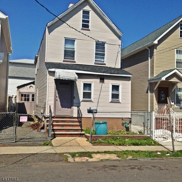 Single Family Home for Sale at 424 Henry Street Elizabeth, New Jersey 07201 United States