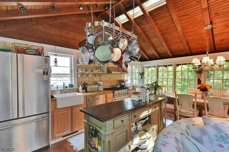 Additional photo for property listing at 22 Hillside Road  Sparta, Нью-Джерси 07871 Соединенные Штаты