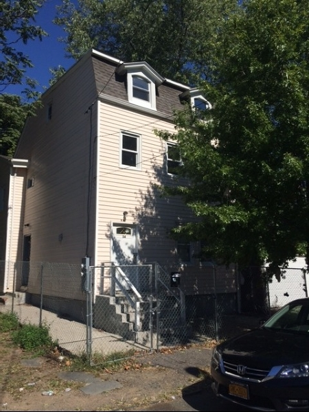 Additional photo for property listing at 34 Streetout Street  Paterson, New Jersey 07522 États-Unis