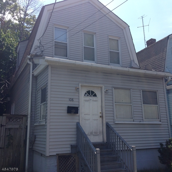 Additional photo for property listing at 108 Washington Avenue  Irvington, Nueva Jersey 07111 Estados Unidos