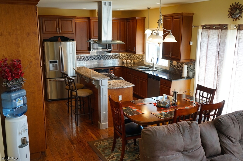 Additional photo for property listing at 22 High Avenue  Randolph, New Jersey 07869 États-Unis