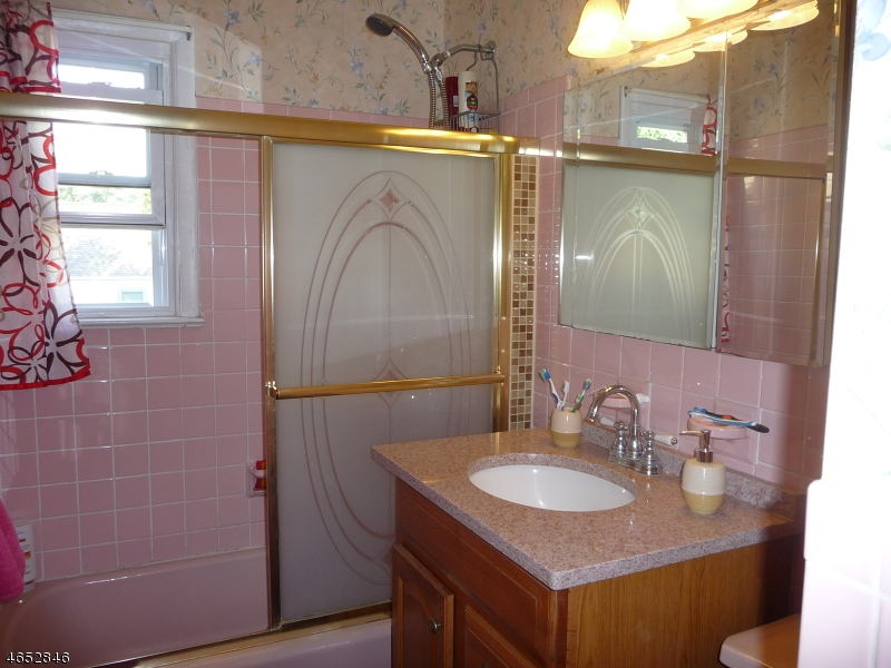 Additional photo for property listing at Address Not Available  Metuchen, Нью-Джерси 08840 Соединенные Штаты