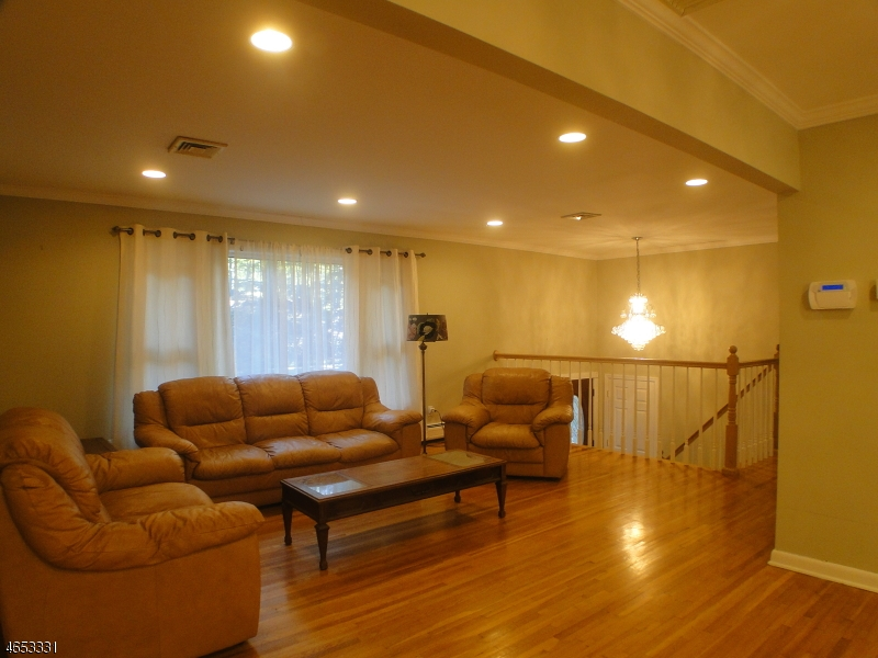 Additional photo for property listing at 250 PARK Road  Parsippany, New Jersey 07054 États-Unis