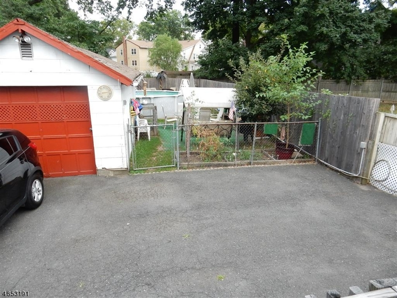 Additional photo for property listing at 148 E Grant Avenue  Roselle Park, Нью-Джерси 07204 Соединенные Штаты