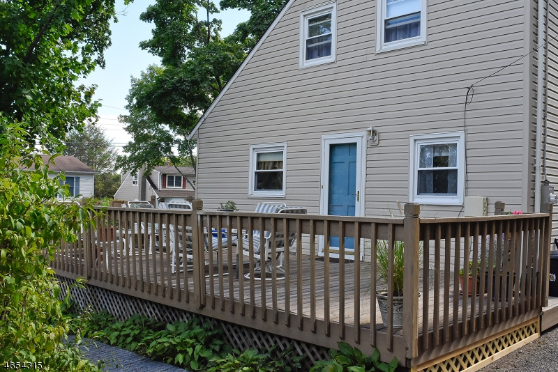 Additional photo for property listing at 18 Chester Avenue  Rockaway, Нью-Джерси 07866 Соединенные Штаты