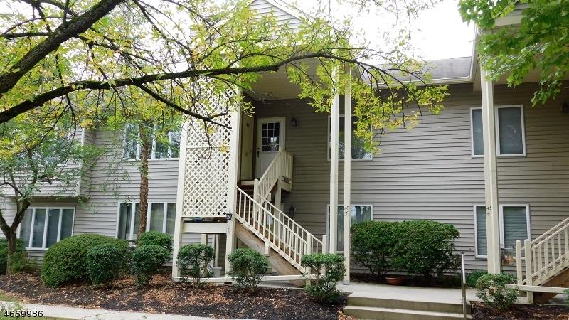 Casa Unifamiliar por un Alquiler en 40 Troon Ter Clinton, Nueva Jersey 08809 Estados Unidos