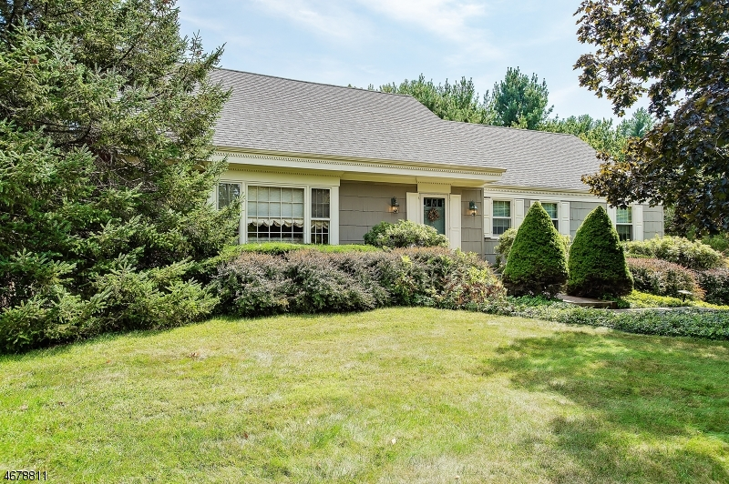 Частный односемейный дом для того Продажа на 1340 Tullo Road Martinsville, 08836 Соединенные Штаты