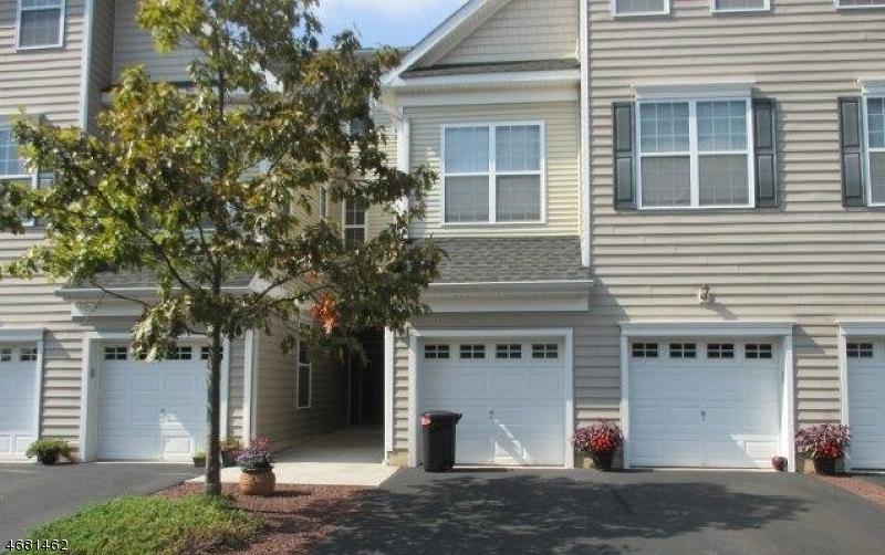 Casa Unifamiliar por un Venta en 19 Liberty Way South Bound Brook, Nueva Jersey 08880 Estados Unidos