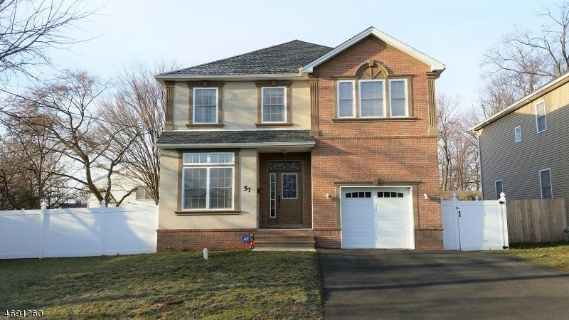 Частный односемейный дом для того Продажа на 57 S Arlington Street Manville, Нью-Джерси 08835 Соединенные Штаты
