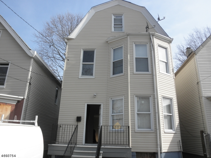 Частный односемейный дом для того Аренда на 798 S 15th Street Newark, 07108 Соединенные Штаты