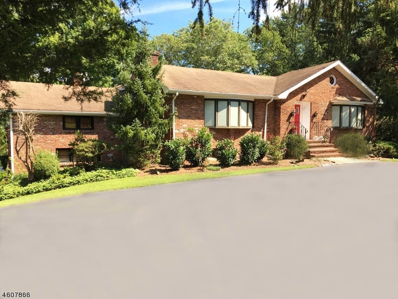 Additional photo for property listing at 6 Pheasant Hill Drive  Bernardsville, New Jersey 07931 United States