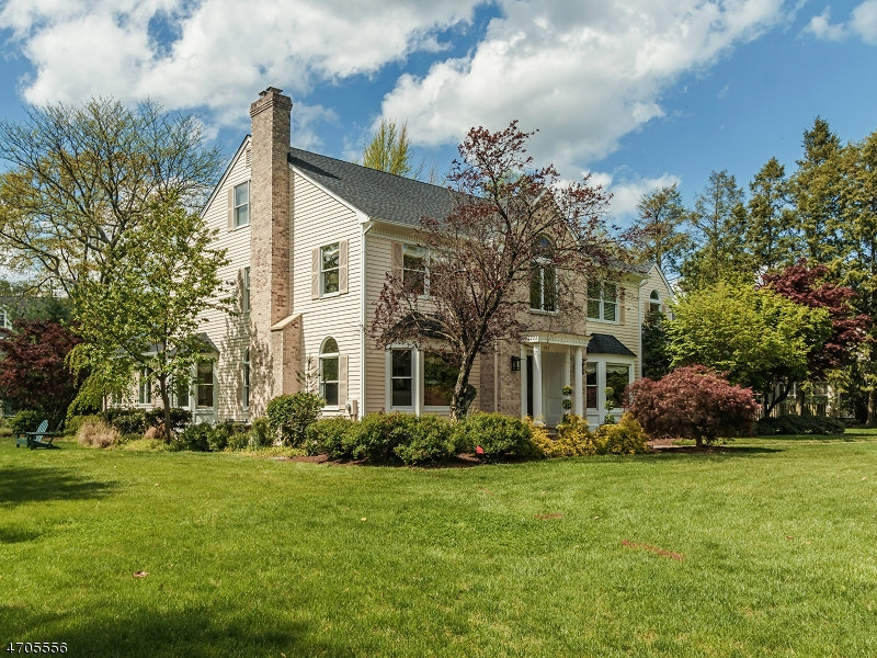 Maison unifamiliale pour l Vente à 145 Green Avenue Madison, New Jersey 07940 États-Unis