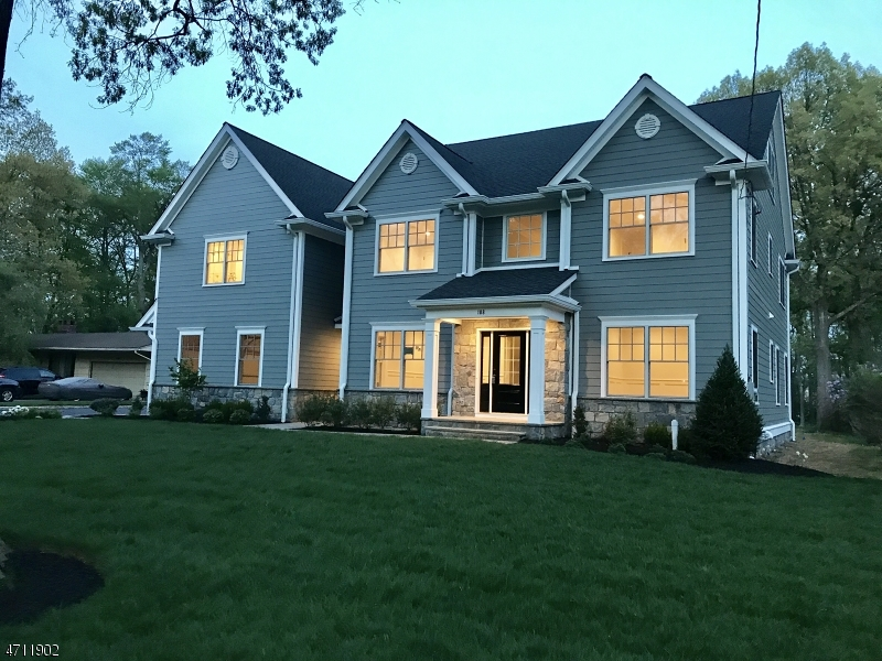 Частный односемейный дом для того Продажа на 108 Rockwood Road Florham Park, Нью-Джерси 07932 Соединенные Штаты
