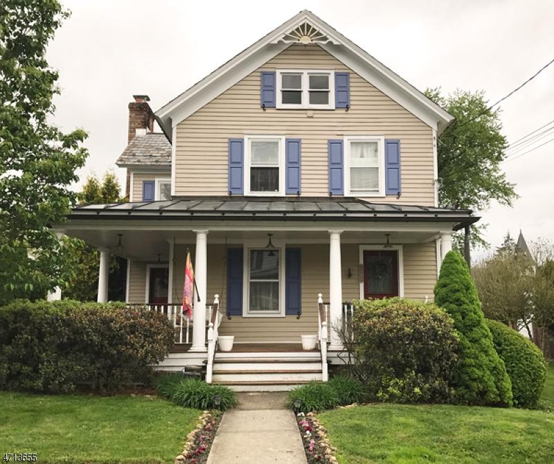 Частный односемейный дом для того Продажа на 10 Center Street Califon, Нью-Джерси 07830 Соединенные Штаты