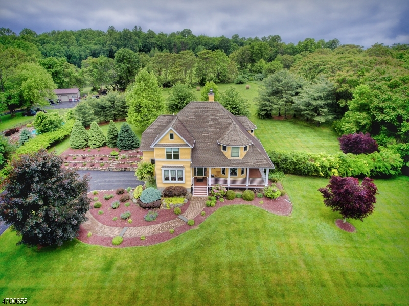 Single Family Home for Sale at 67 Petersburg Road Hackettstown, New Jersey 07840 United States