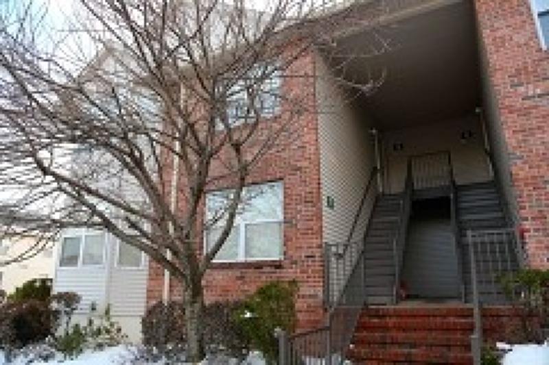 Casa Unifamiliar por un Alquiler en 8 Donna Drive East Hanover, Nueva Jersey 07936 Estados Unidos