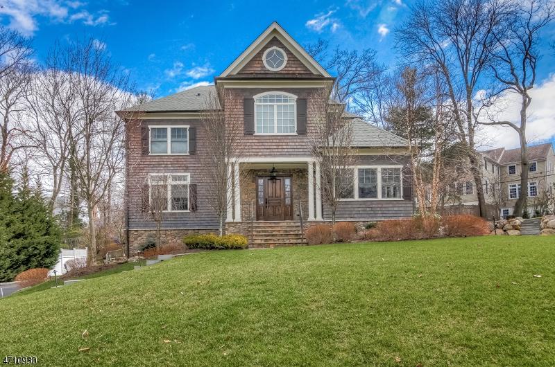 Casa Unifamiliar por un Venta en 16 Fairfield Terr Millburn, Nueva Jersey 07078 Estados Unidos