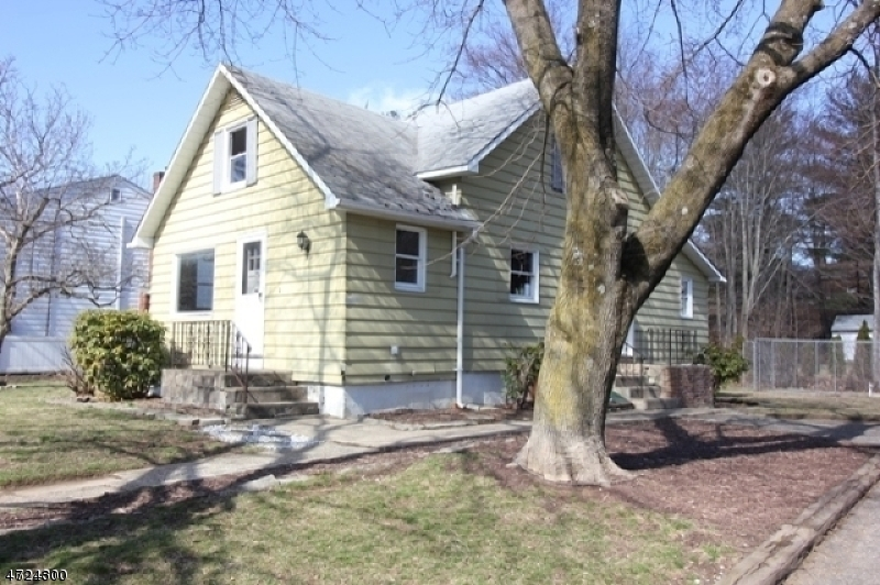 Single Family Home for Rent at 20 Dupont Avenue Wanaque, New Jersey 07420 United States