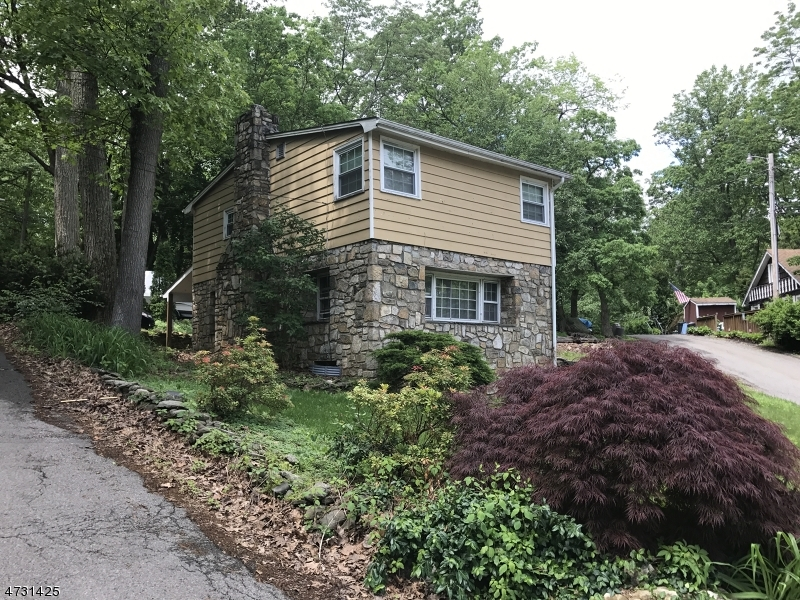 Additional photo for property listing at 17 Rose Trail  Byram Township, New Jersey 07821 États-Unis
