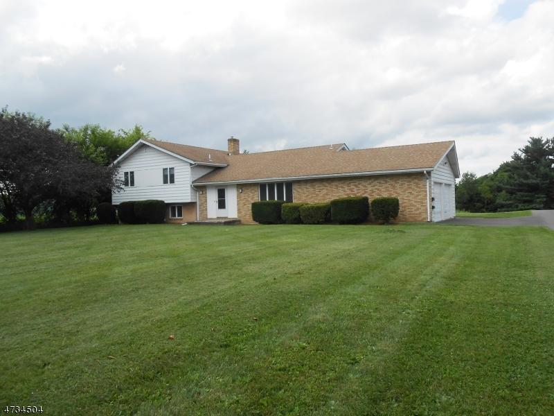 独户住宅 为 出租 在 877 High Street Phillipsburg, 新泽西州 08865 美国