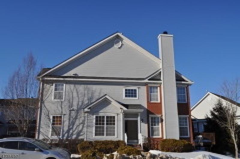 Casa Unifamiliar por un Alquiler en 100 Crown Point Road Parsippany, Nueva Jersey 07054 Estados Unidos